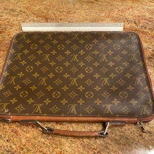 Louis Vuitton Laptop Case with handle